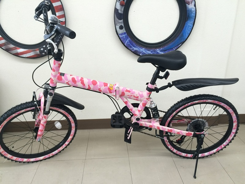 ピンク迷彩自転車